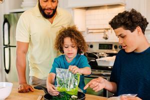 Meal prep pioneer Dream Dinners is expanding nationwide with a new franchise program. The only meal prep company focused on families, Dream Dinners sells completely assembled, ready-to-cook meal kits.