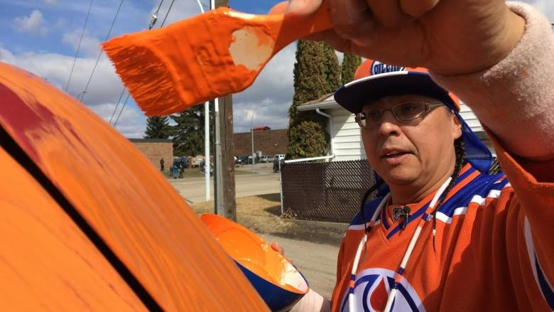 'I'm the craziest superfan there is': Oilers fan turns SUV into 'Orange Storm'