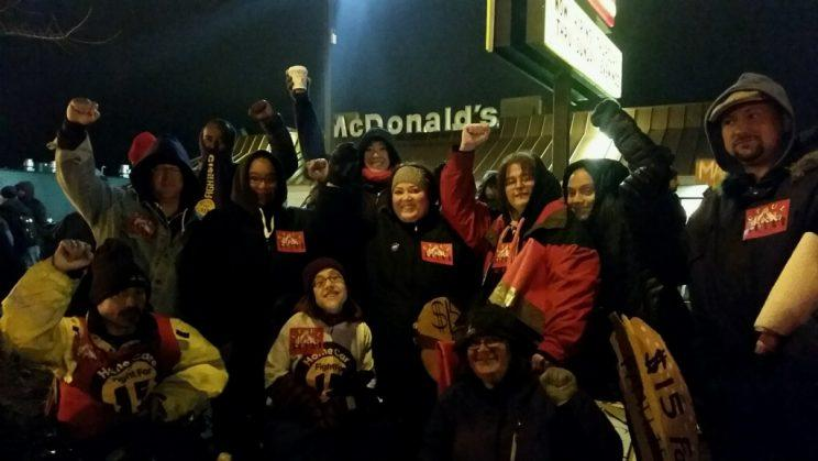 Sumer Spika, center, joins a Fight for $15 protest in Minneapolis. (Photo: Courtesy of Fight for $15)
