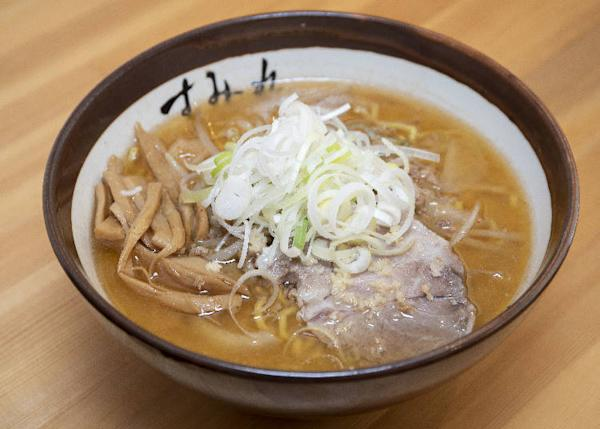Most popular miso ramen 870 yen, 60% of customers and even 80% on a busy day will order this ramen.