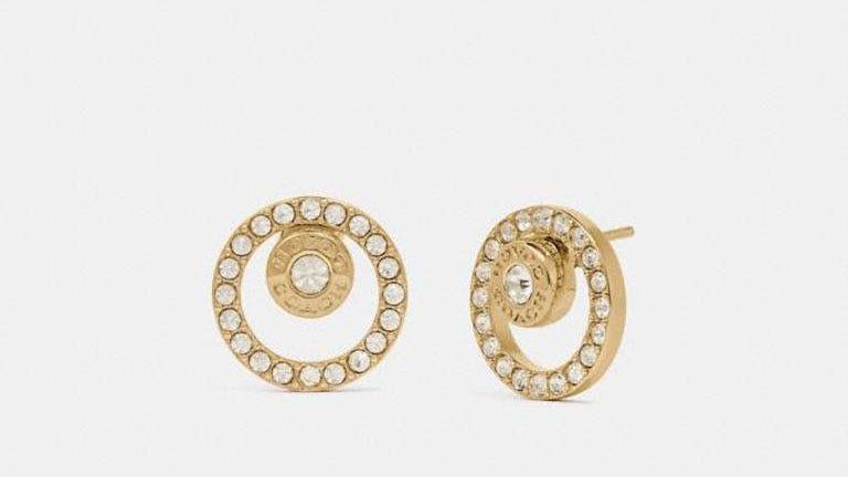 These delicate earrings will add a hint of luxury to everyday outfits.