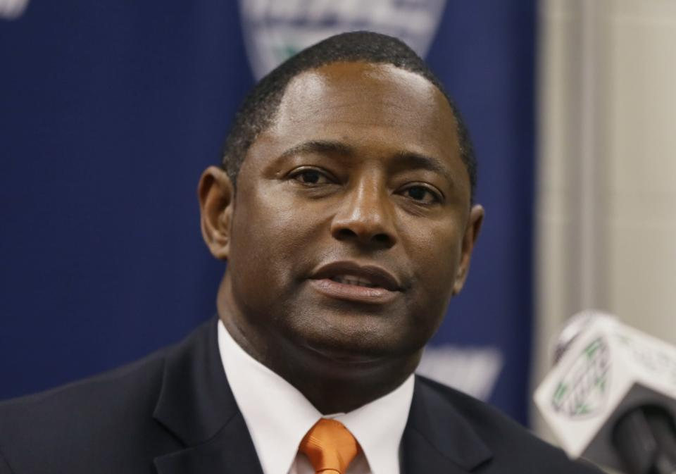 Bowling Green head coach Dino Babers addresses an NCAA college football news conference in Detroit, Thursday, Dec. 4, 2014. Bowling Green will play Northern Illinois in the Mid-American Conference Championship at Ford Field on Friday. (AP Photo/Carlos Osorio)