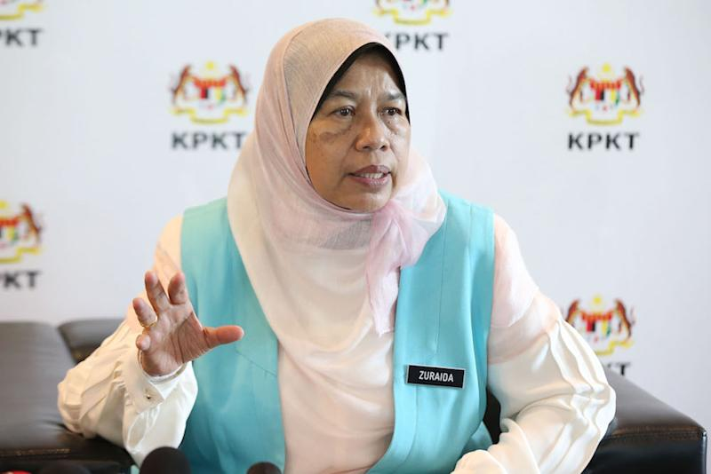The Wanita PKR chief said that PKR, which was founded by Anwar, must first uphold the principles of transparency and democracy. — Picture by Azinuddin Ghazali