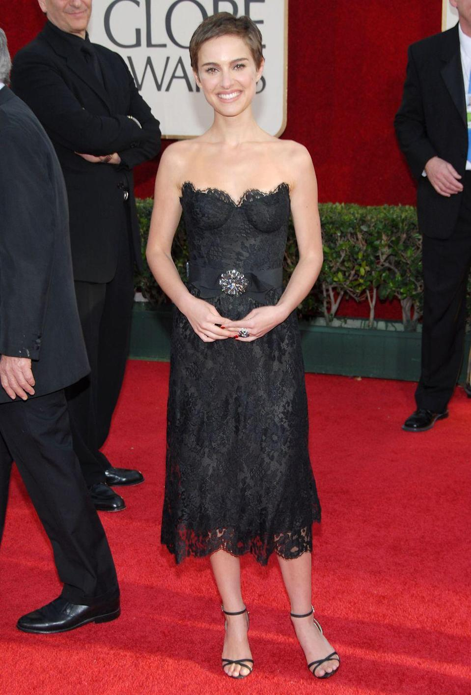 <p>Natalie Portman slipped into vintage Chanel featuring a bustier bodice and lots of lace for the 2006 show.</p>