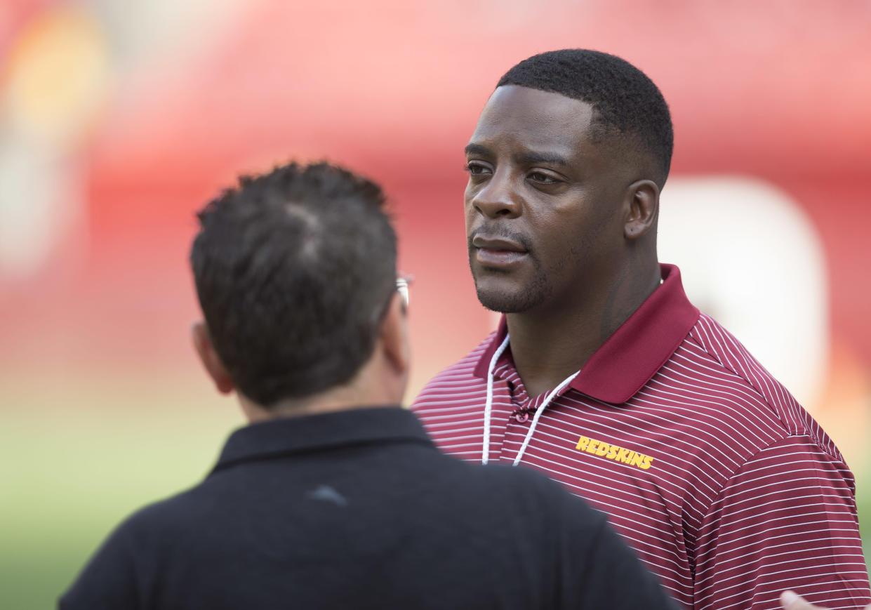LANDOVER, MD - AUGUST 15: Former Washington Redskins running back Clinton Portis looks on from the sidelines prior to the NFL preseason game between the Cincinnati Bengals and Washington Redskins on August 15, 2019, at FedEx Field in Landover, MD. (Photo by Lee Coleman/Icon Sportswire via Getty Images)