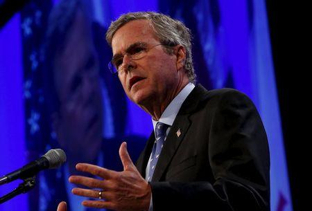 Former Florida Governor Jeb Bush speaks at the Republican Party of Iowa's Lincoln Dinner in Des Moines, Iowa