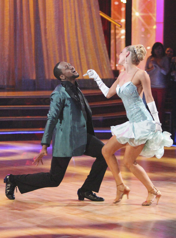 "<a target=""_blank"" href=""http://tv.yahoo.com/jaleel-white/contributor/1079739"">Jaleel White</a> and <a target=""_blank"" href=""http://tv.yahoo.com/kym-johnson/contributor/2234337"">Kym Johnson</a> perform on ""<a target=""_blank"" href=""http://tv.yahoo.com/dancing-with-the-stars/show/38356"">Dancing with the Stars</a>."""