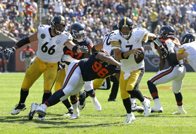 Steelers quarterback Ben Roethlisberger completed just 56.4 percent of his passes in a road loss versus the Bears. (AP Photo/Nam Y. Huh)