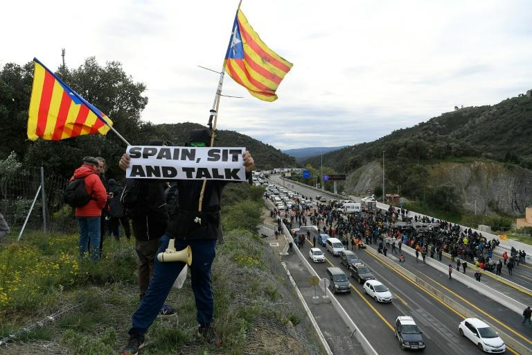 A statement from protest organisers Democratic Tsunami called on the international community to press the Spanish authorities open talks with the separatists