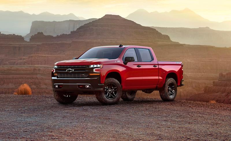 On The Heels Of Recently Revamped 2018 Ford F 150 Comes All New 2019 Chevrolet Silverado 1500 Wearing Buff Bodywork And Sitting A Completely