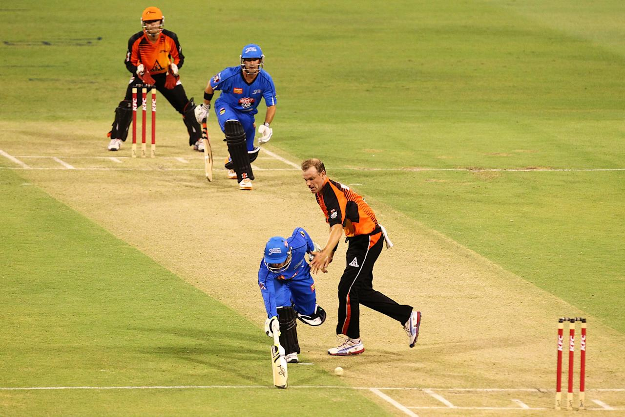 PERTH, AUSTRALIA - DECEMBER 09: Nathan Reardon of the Strikers reaches for the crease during the Big Bash League match between the Perth Scorchers and Adelaide Strikers at WACA on December 9, 2012 in Perth, Australia.  (Photo by Will Russell/Getty Images)