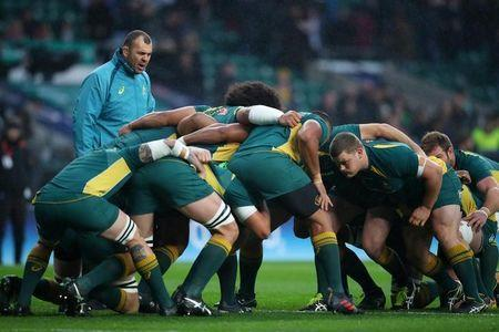 Rugby Union - Autumn Internationals - England vs Australia - Twickenham Stadium, London, Britain - November 18, 2017 Australia head coach Michael Cheika as his players practice a scrum before the match REUTERS/Hannah McKay