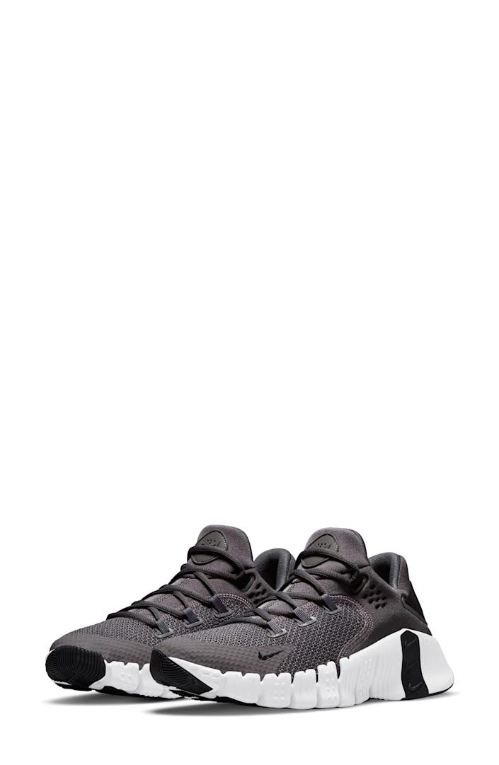 """<p><strong>NIKE</strong></p><p>nordstrom.com</p><p><a href=""""https://go.redirectingat.com?id=74968X1596630&url=https%3A%2F%2Fwww.nordstrom.com%2Fs%2Fnike-free-metcon-4-training-shoe-men%2F5741658&sref=https%3A%2F%2Fwww.bestproducts.com%2Ffitness%2Fg37158206%2Fnordstroms-anniversary-sale-best-sneakers%2F"""" rel=""""nofollow noopener"""" target=""""_blank"""" data-ylk=""""slk:BUY IT HERE"""" class=""""link rapid-noclick-resp"""">BUY IT HERE</a></p><p><del>$120<strong><br></strong></del><strong>$89.90</strong></p><p>If you want your feet to feel super-secure as you move through your workout, the internal webbing and biomechanic design will give you the support you need.</p>"""