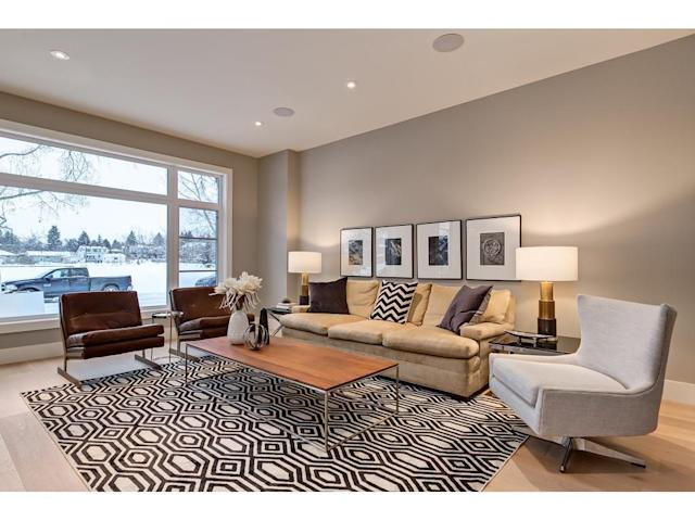 "<p><a href=""https://www.zoocasa.com/parkdale-calgary-ab-real-estate/5016103-726-34-st-nw-parkdale-calgary-ab-t2n2x9-c4150141"" rel=""nofollow noopener"" target=""_blank"" data-ylk=""slk:726 34 Street Northwest, Calgary, Alta."" class=""link rapid-noclick-resp"">726 34 Street Northwest, Calgary, Alta.</a><br> This 1,779-square-foot house is centrally located in Calgary, and is close to the Bow River and park space.<br> (Photo: Zoocasa) </p>"