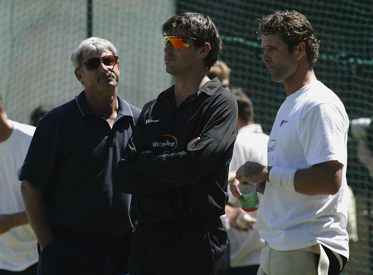 CENTURION - MARCH 13:  Stephen Fleming (centre) and Chris Cairns (R) of New Zealand in discussion with Sir Richard Hadlee at net practice ahead of the ICC Cricket World Cup Super Six game between New Zealand and India at Supersport Park, in Centurion, South Africa on March 13, 2003. (Photo by Michael Steele/Getty Images)