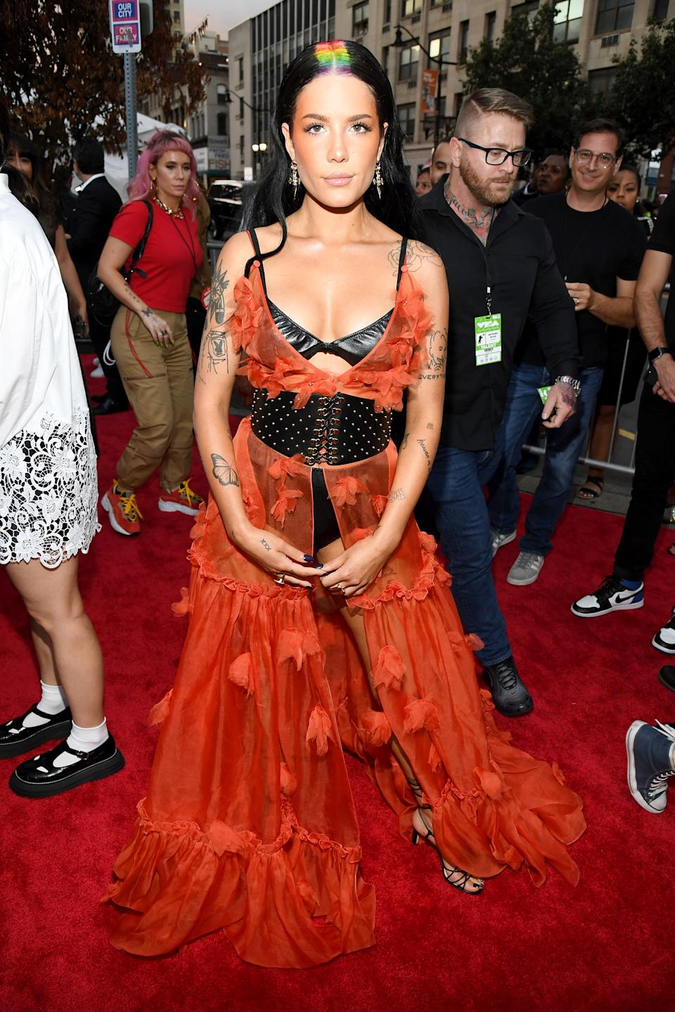 """<h1 class=""""title"""">Halsey in Dundas, Lili Claspe earrings and Jimmy Choo shoes</h1><cite class=""""credit"""">Photo: Getty Images</cite>"""