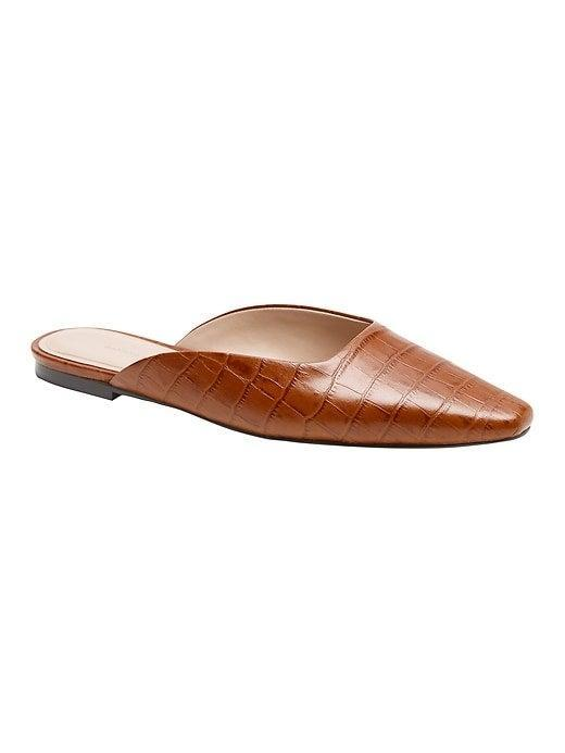 """<br><br><strong>Banana Republic</strong> Leather Pointed-Toe Mule, $, available at <a href=""""https://go.skimresources.com/?id=30283X879131&url=https%3A%2F%2Ffave.co%2F32hlz6m"""" rel=""""nofollow noopener"""" target=""""_blank"""" data-ylk=""""slk:Banana Republic"""" class=""""link rapid-noclick-resp"""">Banana Republic</a>"""