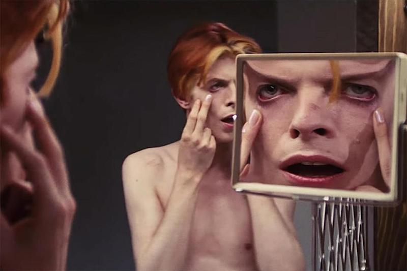 David Bowie's The Man Who Fell to Earth to become TV series