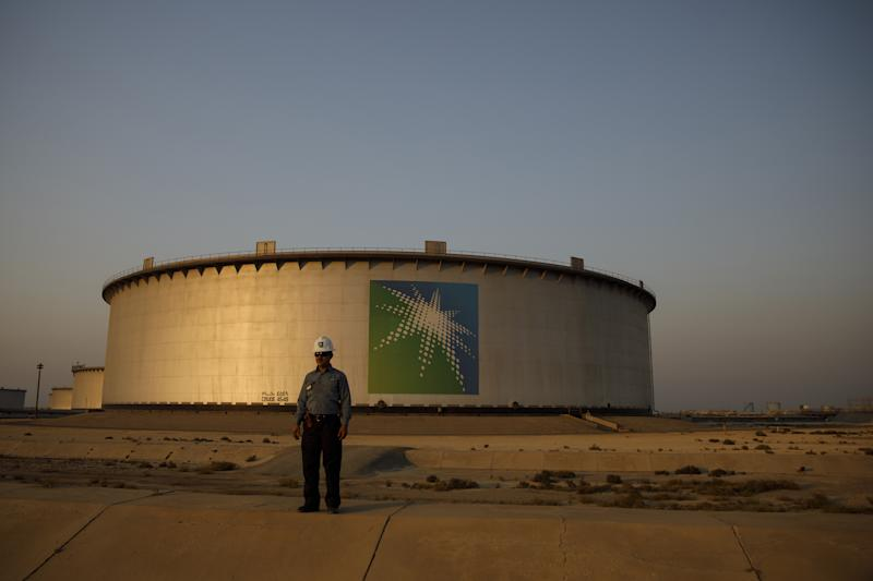 (Bloomberg) -- Saudi Arabia is restarting preparations for a potential initial public offering of oil giant Aramco, months after putting the planned listing on hold, people familiar with the matter said.Aramco, the world's most profitable company, recently held talks with a select group of investment banks to discuss potential roles on the offering, according to the people. Detailed work on the IPO may pick up speed later this year or early next year, the people said, asking not to be identified because the information is private.The revived IPO plan will still face significant hurdles, including the ability of the kingdom to achieve the $2 trillion valuation it's been seeking for the company. Demand for the share sale would also likely be affected by lower oil prices as well as growing concerns among top institutional investors about pouring money into fossil-fuel companies that contribute to climate change.Saudi CrownPrinceMohammedbin Salman is also keen to list Aramco inNewYork, but advisers are wary of opening up the company to the risks of U.S.litigation. Prince Mohammed has insisted that the IPO will still take place in 2020 or 2021.On HoldAfter working with banks for more than two years, Aramco formally put the IPO plans on hold last year and instead decided to buy a $69 billion stake in local chemical giant Saudi Basic Industries Corp. Aramco is planning to wait until the Sabic acquisition is completed before conducting the IPO, one of the people said.Aramco, officially known as Saudi Arabian Oil Co., was originally working with Evercore Inc., Moelis & Co., HSBC Holdings Plc, JPMorgan Chase & Co. and Morgan Stanley on the planned share sale. It wasn't immediately clear if all the banks had been approached again or if some new firms are also being considered.No final decisions have been made, and the timeline for the share sale could still change, the people said.The IPO project was first announced in 2016 as the cornerstone of the Vision 2030 plan to moderni