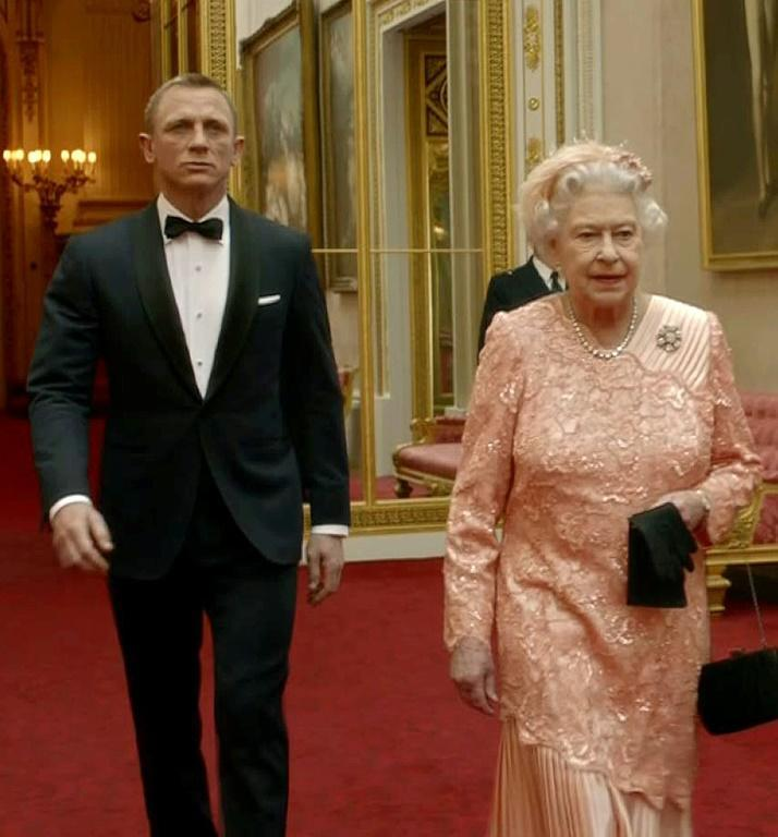Queen Elizabeth II made a cameo appearance alongside Craig for the opening ceremony of the London 2012 Olympics (AFP/-)