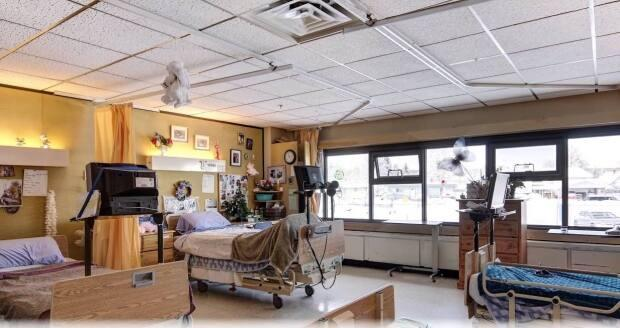Jubilee Lodge has been one of the hardest hit seniors' residencesin the provinceduring the pandemic. (Northern Health - image credit)