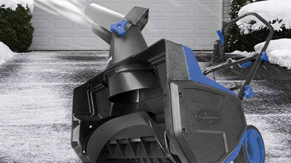 Snow Joe SJ625E snow thrower hopes to provide a middle ground option between an electric snow shovel and a snow blower.