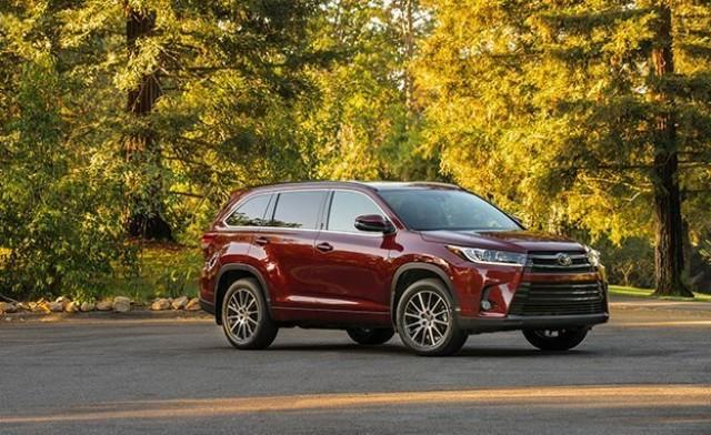 Toyota Highlander, red