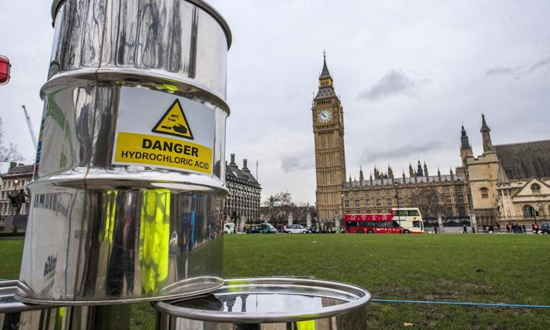 Greenpeace build a 10m high fracking rig outside Westminster, London