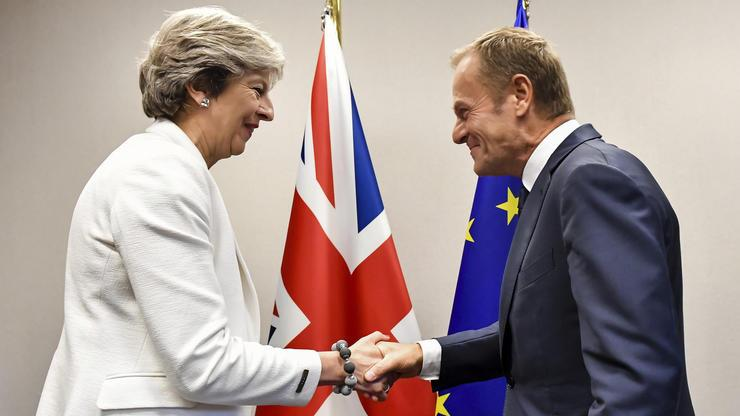 Tusk trifft May – Brexit-Spitzengespräch am Freitag