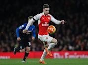 Arsenal's midfielder Aaron Ramsey controls the ball during the English Premier League football match between Arsenal and Bournemouth at the Emirates Stadium in London on December 28, 2015 (AFP Photo/Adrian Dennis)