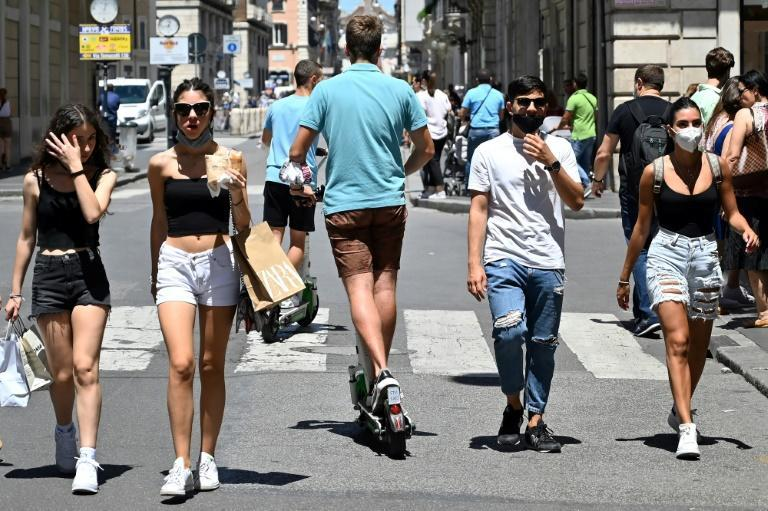 Two wheeled scooters are now seen in the city's historical centre (AFP Photo/Alberto PIZZOLI)