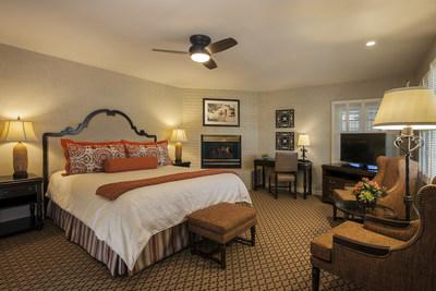 Deluxe King with Fireplace Guest Room
