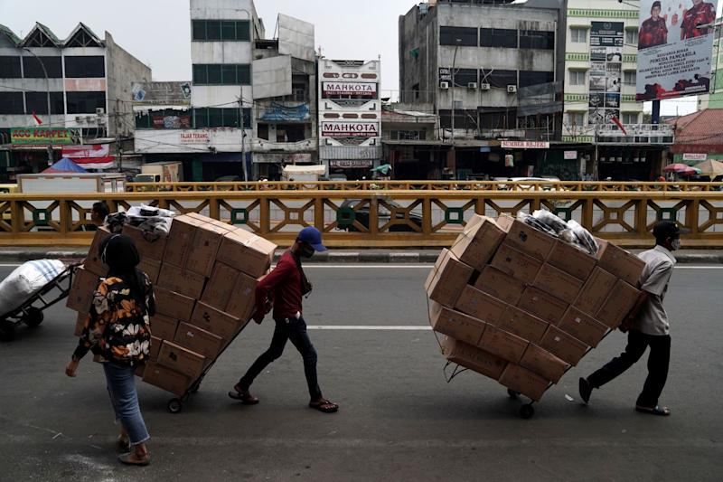 Indonesia Passes Law to Simplify Labor, Investment Rules