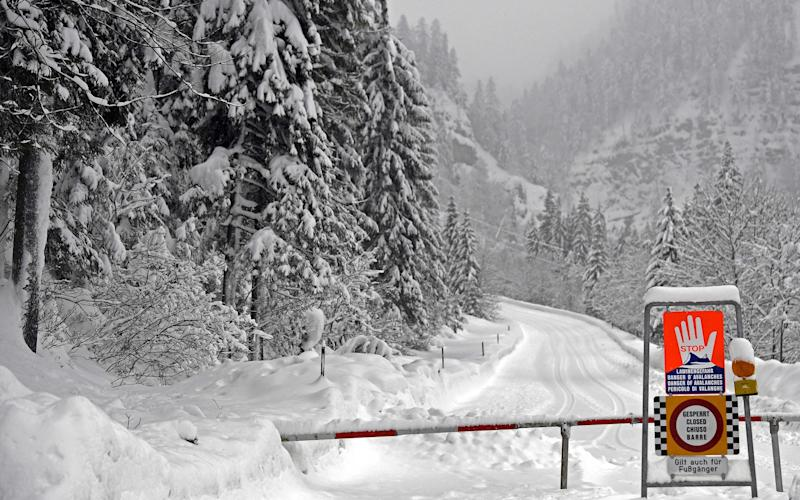 Such significant snow fall has lead to high avalanche risk in many areas of Austria