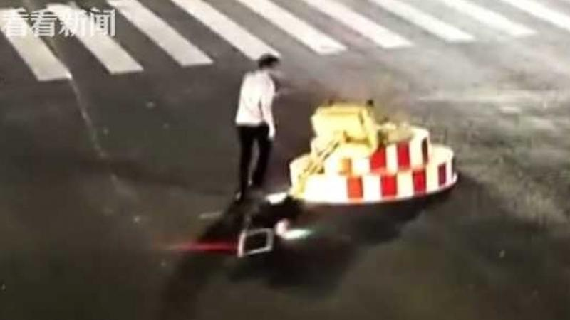 Driver tears down traffic light after getting tired of waiting at red light