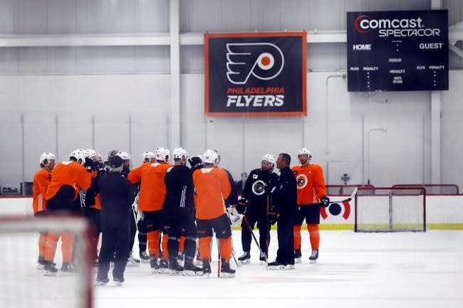 Flyers, Bruins battle for East supremacy in round-robin
