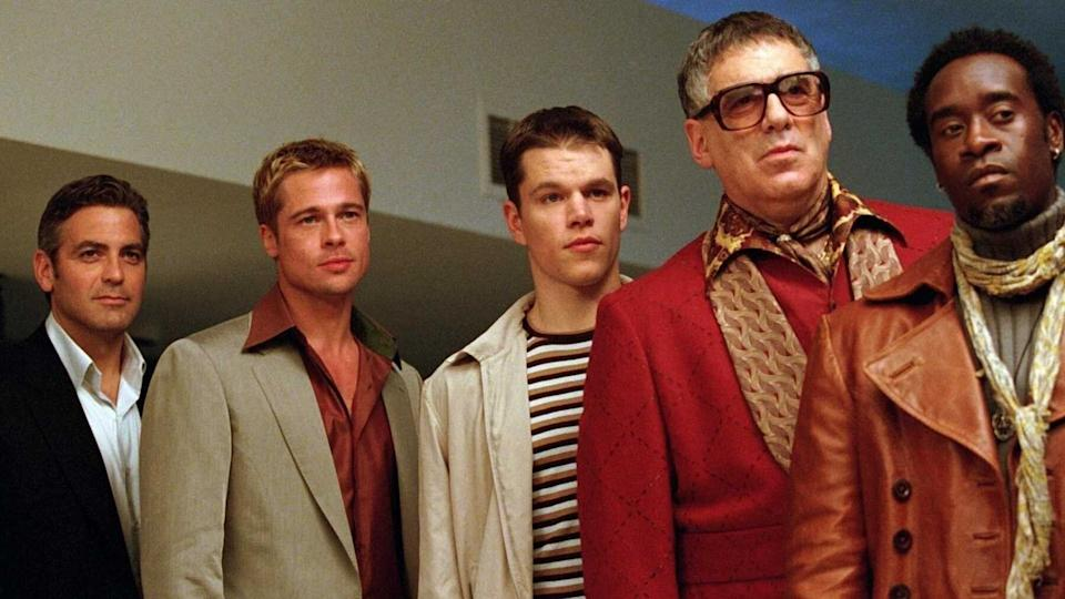 "George Clooney, Brad Pitt, Matt Damon, Elliott Gould and Don Cheadle in ""Ocean's Eleven"" on Netflix. (Photo: Warner Bros. Pictures/""Ocean Eleven"")"