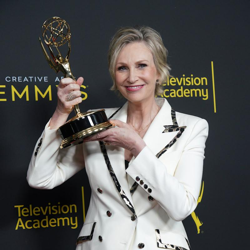 """Jane Lynch and Cyndi Lauper Are Creating a """"Golden Girls For Today"""" With Netflix"""