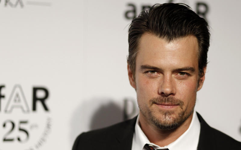 """FILE - In this Oct. 27, 2011 file photo, Actor Josh Duhamel arrives at amfAR's Inspiration Gala in Los Angeles. The Gala benefits AIDs research worldwide. Duhamel, the star of """"Transformers: Dark of the Moon"""" was named on Tuesday, Jan. 22, 2013, as host of Nickelodeon's 26th Annual Kids' Choice Awards, which will be broadcast from the Galen Center in Los Angeles on March 23, 2013. (AP Photo/Matt Sayles, File)"""