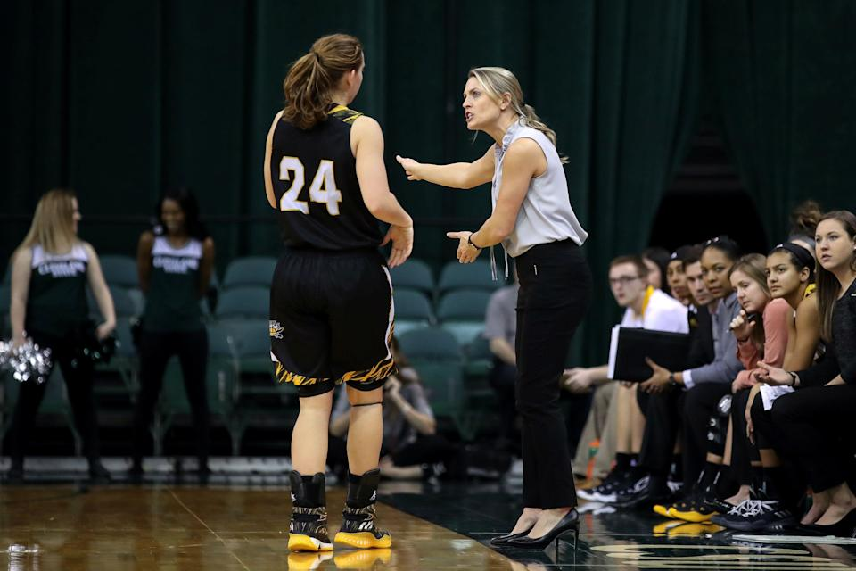 CLEVELAND, OH - JANUARY 27: Northern Kentucky Norse head coach Camryn Whitaker instructs Northern Kentucky Norse guard Molly Glick (24) during he third quarter of the women's college basketball game between the Northern Kentucky Norse and Cleveland State Vikings on January 27, 2018, at the Wolstein Center in Cleveland, OH. Cleveland State defeated Northern Kentucky 72-49. (Photo by Frank Jansky/Icon Sportswire via Getty Images)