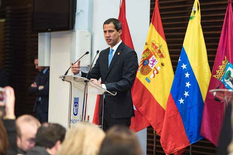 MADRID, SPAIN - JANUARY 25: Juan Guaidó, Venezuelan opposition leader holds a press conference after receiving The Golden Key of Municipalism at the Palacio de Cibeles on January 25, 2020 in Madrid, Spain. The delivery of keys is a protocol gesture that is repeated every time a head of state is in the city on an official visit. This distinction is included in the Protocol Regulation of the Madrid City Council, signed in 1988. (Photo by David Benito/Getty Images)