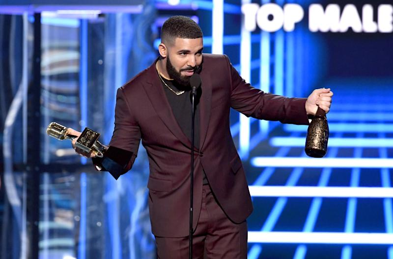 LAS VEGAS, NEVADA - MAY 01: Drake accepts the Top Male Artist award onstage during the 2019 Billboard Music Awards at MGM Grand Garden Arena on May 01, 2019 in Las Vegas, Nevada. (Photo by Kevin Winter/Getty Images for dcp)