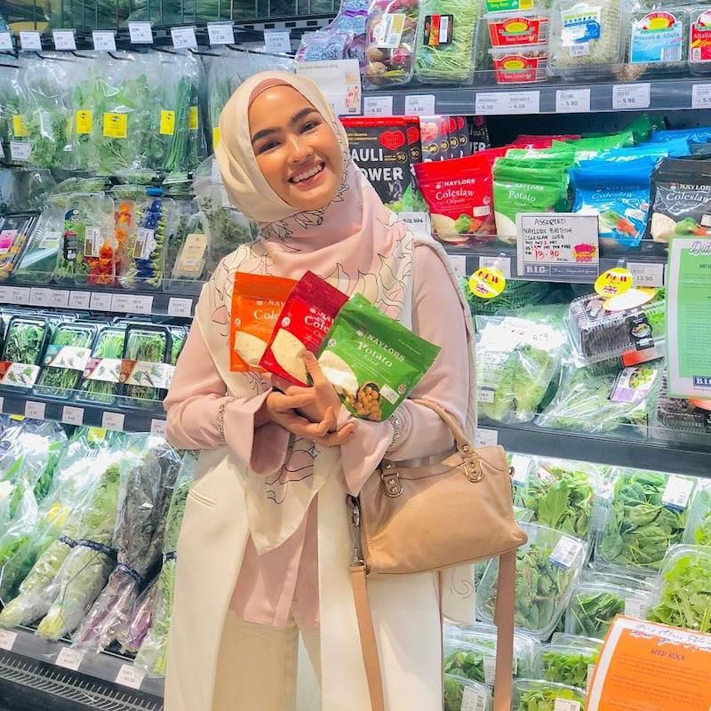 Elfira Loy's candid confession has drawn criticism from social media users. — Image via Instagram/elfiraloy