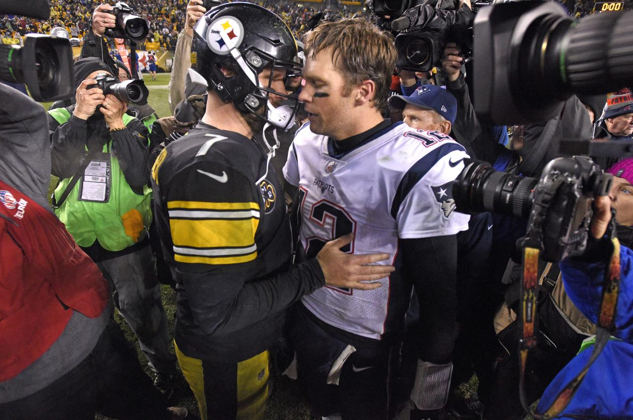 <p>Pittsburgh Steelers quarterback Ben Roethlisberger (7) and New England Patriots quarterback Tom Brady (12) meet on the field following an NFL football game in Pittsburgh, Sunday, Dec. 17, 2017.(AP Photo/Don Wright) </p>