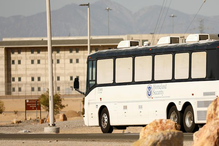 ICE detainees arrive at federal prison in Victorville, Calif., on June 8. (Photo: Patrick T. Fallon/Reuters)