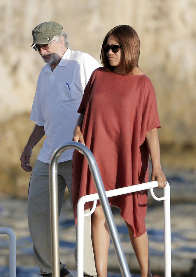 <p>De Niro and his very stylish wife, Grace Hightower, are regulars at the Hotel du Cap-Eden-Roc. (Photo: BackGrid) </p>