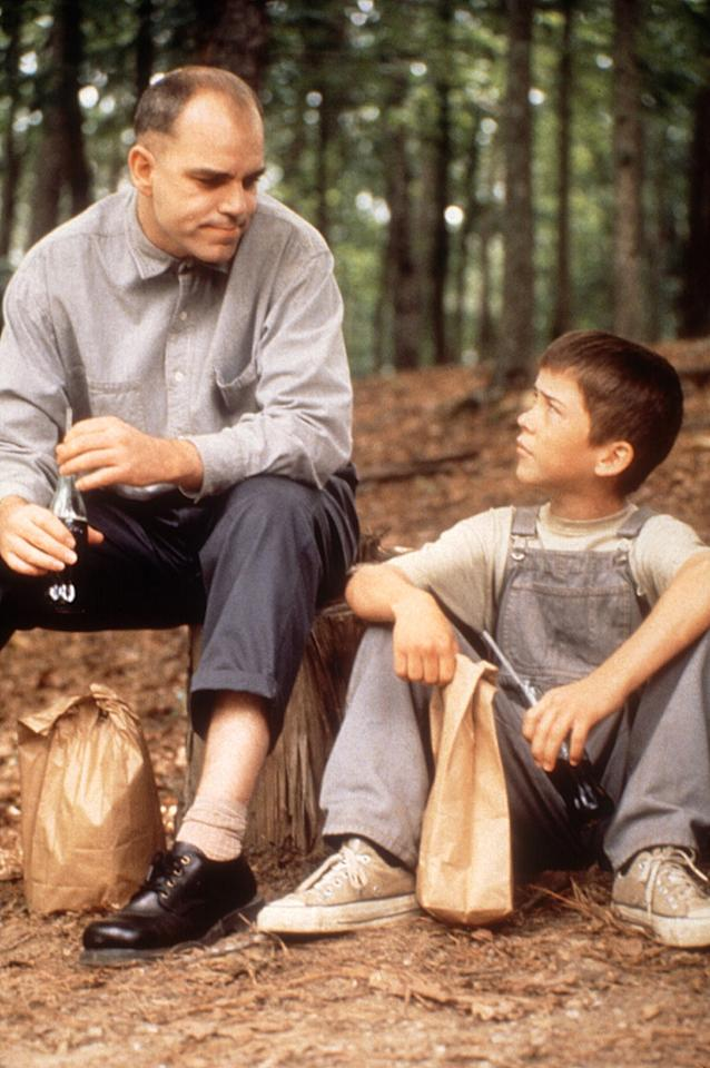 "<a href=""http://movies.yahoo.com/movie/1800359861/info"">SLING BLADE</a> <br>Directed by: <span>Billy Bob Thornton</span> <br>Starring: <span>Billy Bob Thornton</span>, <span>Dwight Yoakam</span>, <span>Lucas Black</span>"
