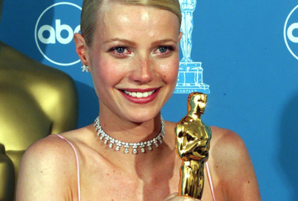 Paltrow at the 71st Oscars (Credit: Vince Bucci/AFP via Getty Images)