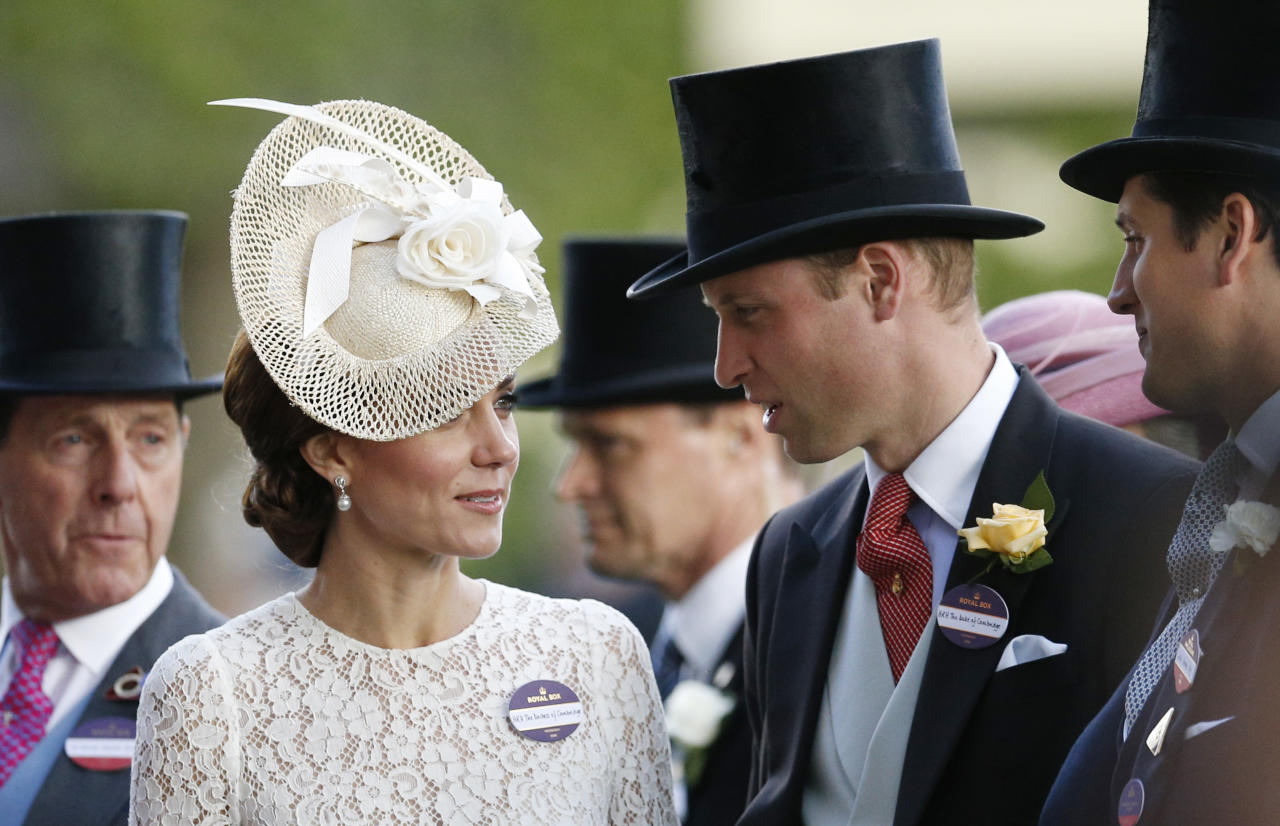 Britain Horse Racing - Royal Ascot - Ascot Racecourse - 15/6/16 Britain's Prince William and Catherine, Duchess of Cambridge Action Images via Reuters / Andrew Boyers Livepic EDITORIAL USE ONLY.