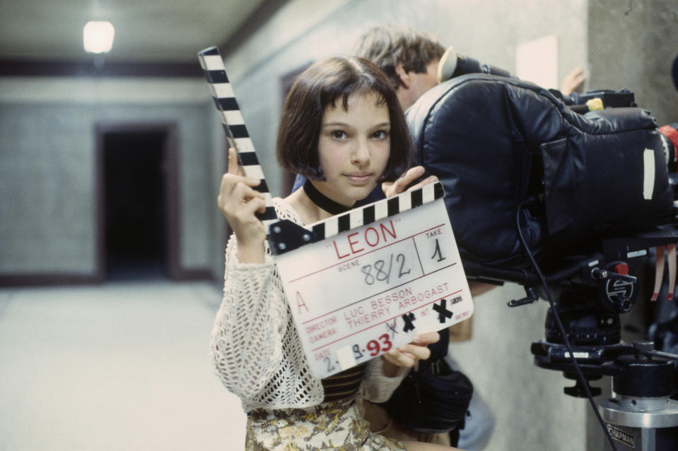 American actress Natalie Portman on the set of the film 'Leon', directed by Luc Besson. (Photo by Patrick CAMBOULIVE/Sygma via Getty Images)